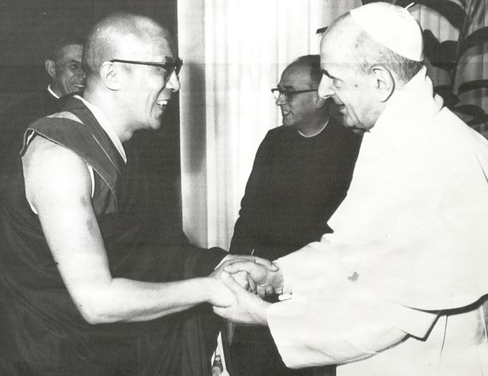 This image has an empty alt attribute; its file name is anti-papez-pavol-vi-dalajlama-vatikan-1973.jpg