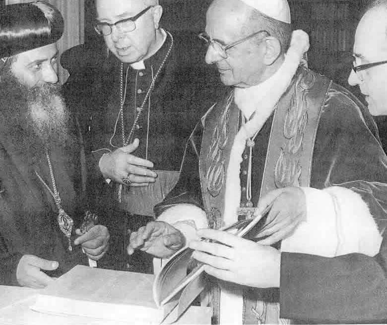 Tento obrázok nemá vyplnený ALT popisok, jeho názov je anti-papezi-pavol-vi-shenouda.jpg