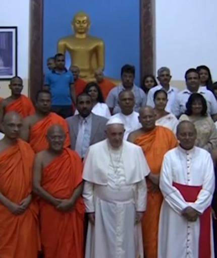 Tento obrázok nemá vyplnený ALT popisok, jeho názov je frantisek-budhisti-ekumenizmus-socha-budhy.jpeg