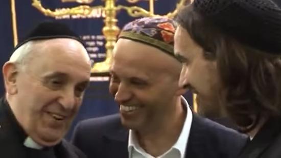 Tento obrázok nemá vyplnený ALT popisok, jeho názov je jorge-bergoglio-heretik-bergman-rabin.jpg