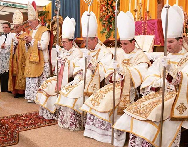 Tento obrázok nemá vyplnený ALT popisok, jeho názov je lefebvre-styria-biskupi-sspx.jpg