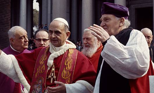 Tento obrázok nemá vyplnený ALT popisok, jeho názov je pavol-vi-efod-michael-ramsay-1966-c.jpg